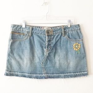 Levi's Denim Raw Edge Embroidered Skirt 13